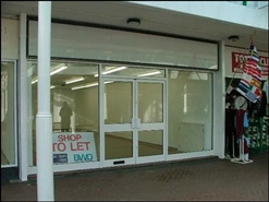 719 SF Shopping Centre Unit for Rent  |  Unit 18, Central Square Shopping Centre, Birmingham, B23 6RY