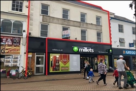 581 SF High Street Shop for Rent  |  9 - 11 West Gate, Mansfield, NG18 1RY