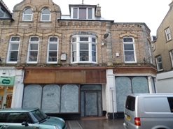 1,114 SF High Street Shop for Rent  |  39 41 Bank Street, Newquay, TR7 1DJ
