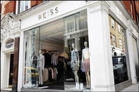 1,155 SF High Street Shop for Rent  |  116 Long Acre, London, WC2E 9PA
