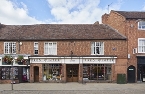 15,682 SF High Street Shop  |  8 Henley Street, Stratford Upon Avon, CV37 6PT
