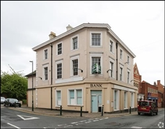 2,296 SF High Street Shop for Rent  |  110 Long Street, Atherstone, CV9 1AX