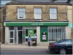 1,022 SF High Street Shop for Sale  |  19 - 21 Queen Street, Blackburn, BB6 7QN