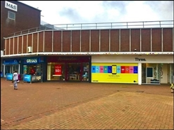 706 SF Shopping Centre Unit for Rent  |  42 Falkland Square, Poole, BH15 1ER