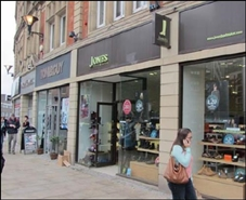 1,057 SF High Street Shop for Rent  |  Pinstone Chambers, Sheffield, S1 2HN