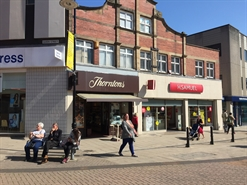 1,161 SF High Street Shop for Rent  |  26 May Day Green, Barnsley, S70 1SH