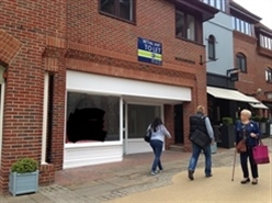1,350 SF Shopping Centre Unit for Rent  |  Unit 4, St Martins Walk, Dorking, RH4 1UT