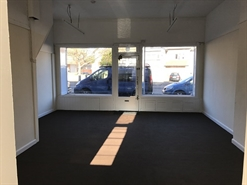475 SF High Street Shop for Rent  |  426 Ewell Road, Surbiton, KT6 7EH