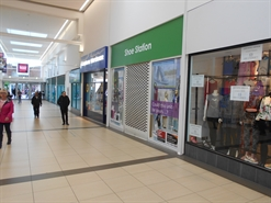 862 SF Shopping Centre Unit for Rent  |  Unit 2, Queens Square Shopping Centre, West Bromwich, B70 7NG
