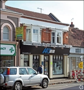 352 SF High Street Shop for Rent  |  88 High Street, Berkhamsted, HP4 3QN