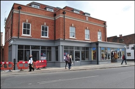 1,183 SF High Street Shop for Rent  |  2B Northgate, Chichester, PO19 1NQ