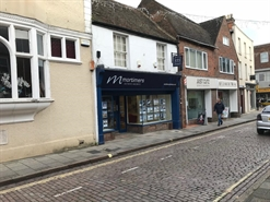 677 SF High Street Shop for Rent  |  5 Temple Street, Aylesbury, HP20 2RN