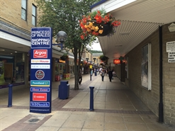922 SF Shopping Centre Unit for Rent  |  12 Longcauseway, Dewsbury, WF12 8EN