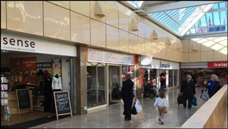 1,320 SF Shopping Centre Unit for Rent  |  Unit 17, Roebuck Centre, Newcastle Under Lyme, ST5 1SW