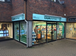 1,100 SF High Street Shop for Rent  |  11 Church Lane, Royston, SG8 9LG