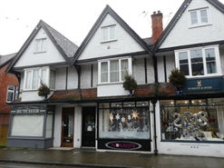 452 SF High Street Shop for Sale  |  52 High Street, Lyndhurst, SO43 7BG