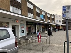921 SF High Street Shop for Rent  |  148 Crockhamwell Road, Woodley, RG5 3JH