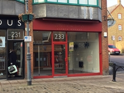 599 SF High Street Shop for Rent  |  233 High Street, Berkhamsted, HP4 1AD