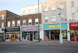 1,722 SF High Street Shop for Rent  |  100 South Road, Haywards Heath, RH16 4LL