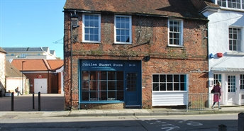 1,338 SF High Street Shop for Rent  |  38 - 39 Little London, Chichester, PO19 1PL