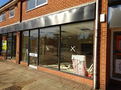 614 SF High Street Shop for Rent | 8 The Square, Nottingham, NG12 5JT
