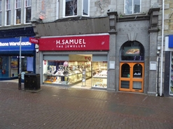 1,203 SF High Street Shop for Rent  |  23 Bank Street, Newquay, TR7 1DH