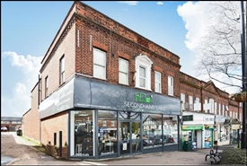 1,740 SF High Street Shop for Rent  |  53 Central Road, Worcester Park, KT4 8EB