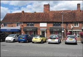 762 SF High Street Shop for Rent  |  7 The Broadway, Amersham, HP7 0HL