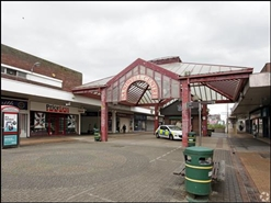 1,237 SF Shopping Centre Unit for Rent  |  Unit 8 (70), Kings Square Shopping Centre, West Bromwich, B70 7NW