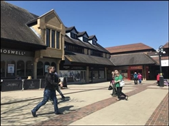 1,490 SF Shopping Centre Unit for Rent  |  4 Ivel Square, Yeovil, BA20 1EY