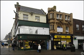 614 SF High Street Shop for Rent  |  32 Market Place, Mansfield, NG18 1JF