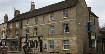 1,271 SF High Street Shop for Rent  |  9 Market Place, Oundle, PE8 4BB