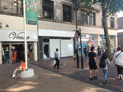 1,408 SF High Street Shop for Rent  |  134B New Street, Birmingham, B2 4NS
