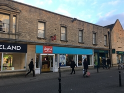 3,436 SF High Street Shop for Rent  |  27 Market Square, Witney, OX28 6AD