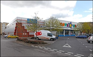 20,000 SF High Street Shop for Rent  |  Toys R Us, Reading, RG1 3DH