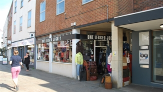 419 SF High Street Shop for Rent  |  9 Crane Street, Chichester, PO19 1LH
