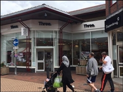878 SF Shopping Centre Unit for Rent  |  Unit 18, Chorley, PR7 1DJ