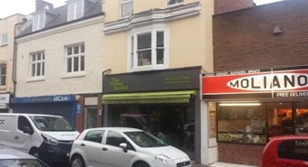 377 SF High Street Shop for Sale  |  11 Market Street, Stourbridge, DY8 1AB