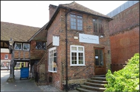 151 SF Out of Town Shop for Rent  |  44 High Street, Godalming, GU7 1DY
