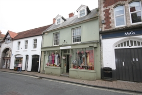 343 SF High Street Shop for Rent  |  37 High Street, Shaftesbury, SP7 8JE