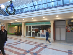 1,095 SF Shopping Centre Unit for Rent  |  Unit 15, Chantry Way, Chantry Centre, Andover, SP10 1LS