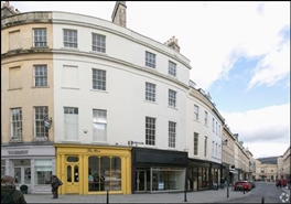 499 SF High Street Shop for Rent  |  15 New Bond Street, Bath, BA1 1BA