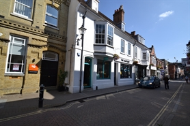 462 SF High Street Shop for Rent | 71 Parchment Street, Winchester, SO23 8AT