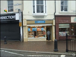 551 SF High Street Shop for Rent  |  1 Commercial Street, Aberdare, CF44 7RW