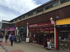 552 SF High Street Shop for Rent  |  18 Broad Walk, Crawley, RH10 1HQ