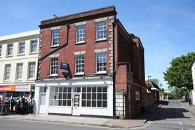 789 SF High Street Shop for Rent  |  37 Castle Street, Salisbury, SP1 1TT