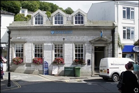 1,306 SF High Street Shop for Rent  |  Barclays Bank, Looe, PL13 1DL