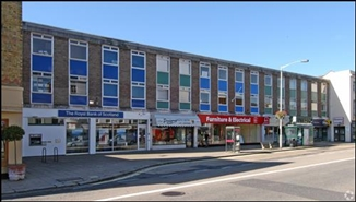 1,782 SF High Street Shop for Rent  |  2-2a Westquay House, Fareham, PO16 0LG