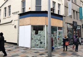 605 SF High Street Shop for Rent | 41 St Johns Road, Clapham, SW11 1QW