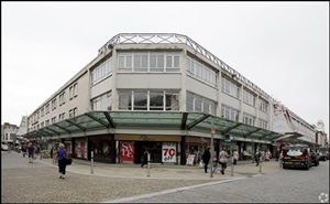 1,527 SF Shopping Centre Unit for Rent  |  Quadrant Centre - 26/27, Swansea, SA1 3QW